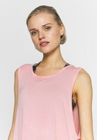 Cotton On Body - CROPPED KEY HOLE WASHED TANK - Top - rose - 3