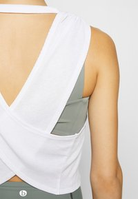 Cotton On Body - CROSS BACK TANK - Top - white - 4
