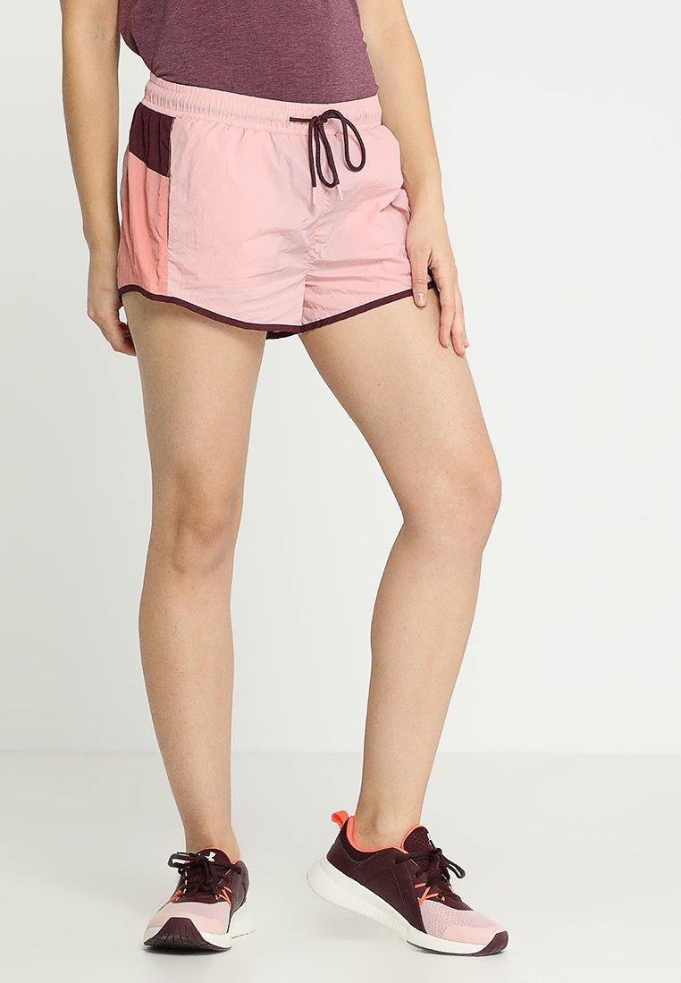 Cotton On Body - PANELLED CRINKLE SHORT - Pantalón corto de deporte - meringue