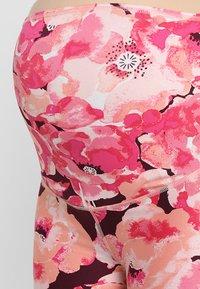 Cotton On Body - MATERNITY PRINTED CORE CAPRI - 3/4 sports trousers - pink - 3