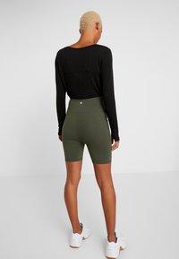 Cotton On Body - MATERNITY BIKE SHORT - Leggings - khaki - 2
