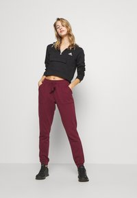 Cotton On Body - GYM TRACKPANT - Joggebukse - mulberry - 1