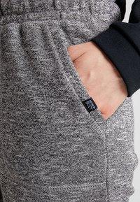 Cotton On Body - GYM TRACKPANT - Pantalon de survêtement - black varsity - 5