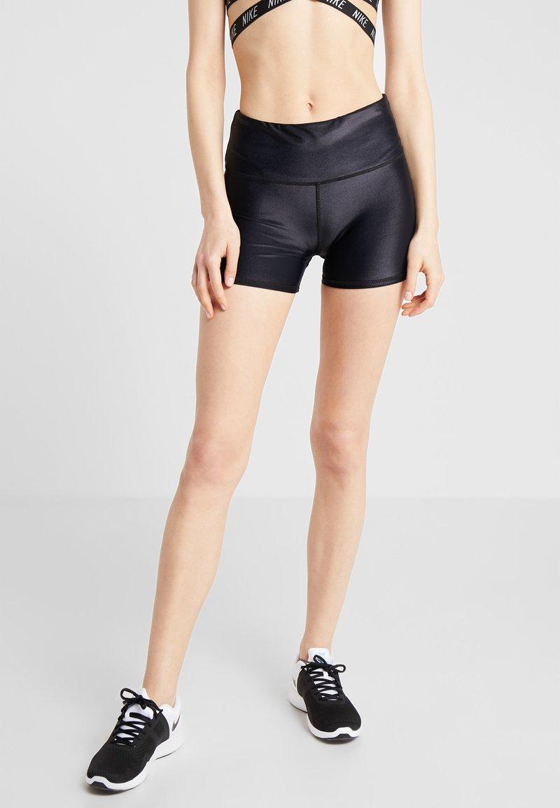Cotton On Body - HIGHWAISTED GYM SHORT - Punčochy - shimmer black