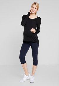 Cotton On Body - MATERNITY CORE CAPRI - 3/4 sports trousers - navy - 1