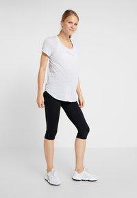 Cotton On Body - MATERNITY CORE CAPRI - 3/4 sportovní kalhoty - black - 1