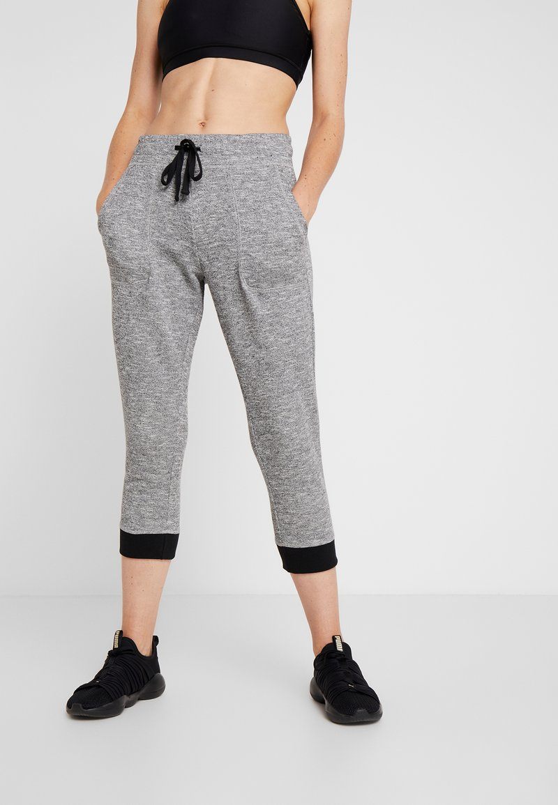 Cotton On Body - CROPPED GYM TRACKPANT - Pantalones deportivos - black/varsity