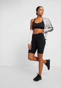 Cotton On Body - HIGHWAISTED MID LENGTH BIKE SHORT - Medias - black - 1