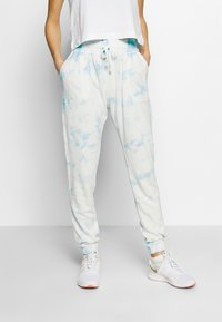 Cotton On Body - WASHED GYM TRACKPANT - Joggebukse - blue tie dye - 0