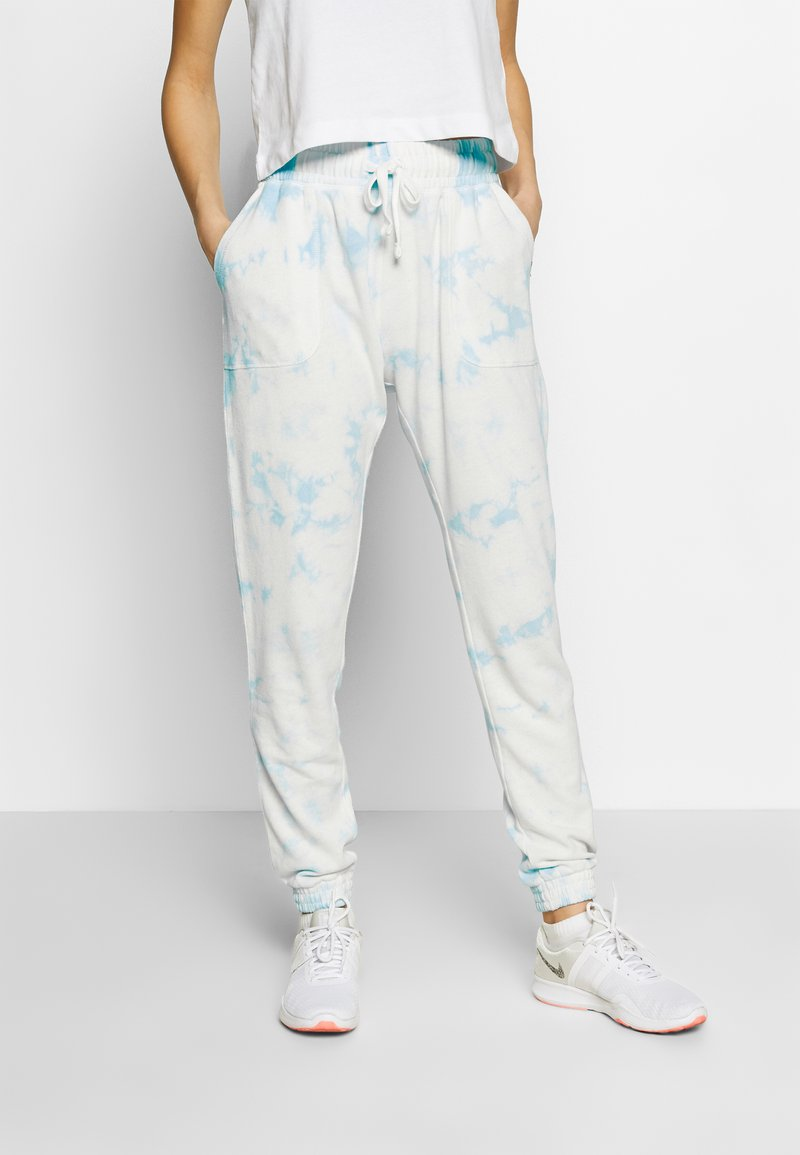 Cotton On Body - WASHED GYM TRACKPANT - Joggebukse - blue tie dye