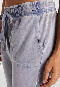 Cotton On Body - WASHED GYM TRACKPANT - Teplákové kalhoty - ultra marine - 4