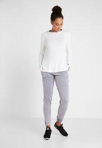Cotton On Body - WASHED GYM TRACKPANT - Pantalones deportivos - ultra marine - 1