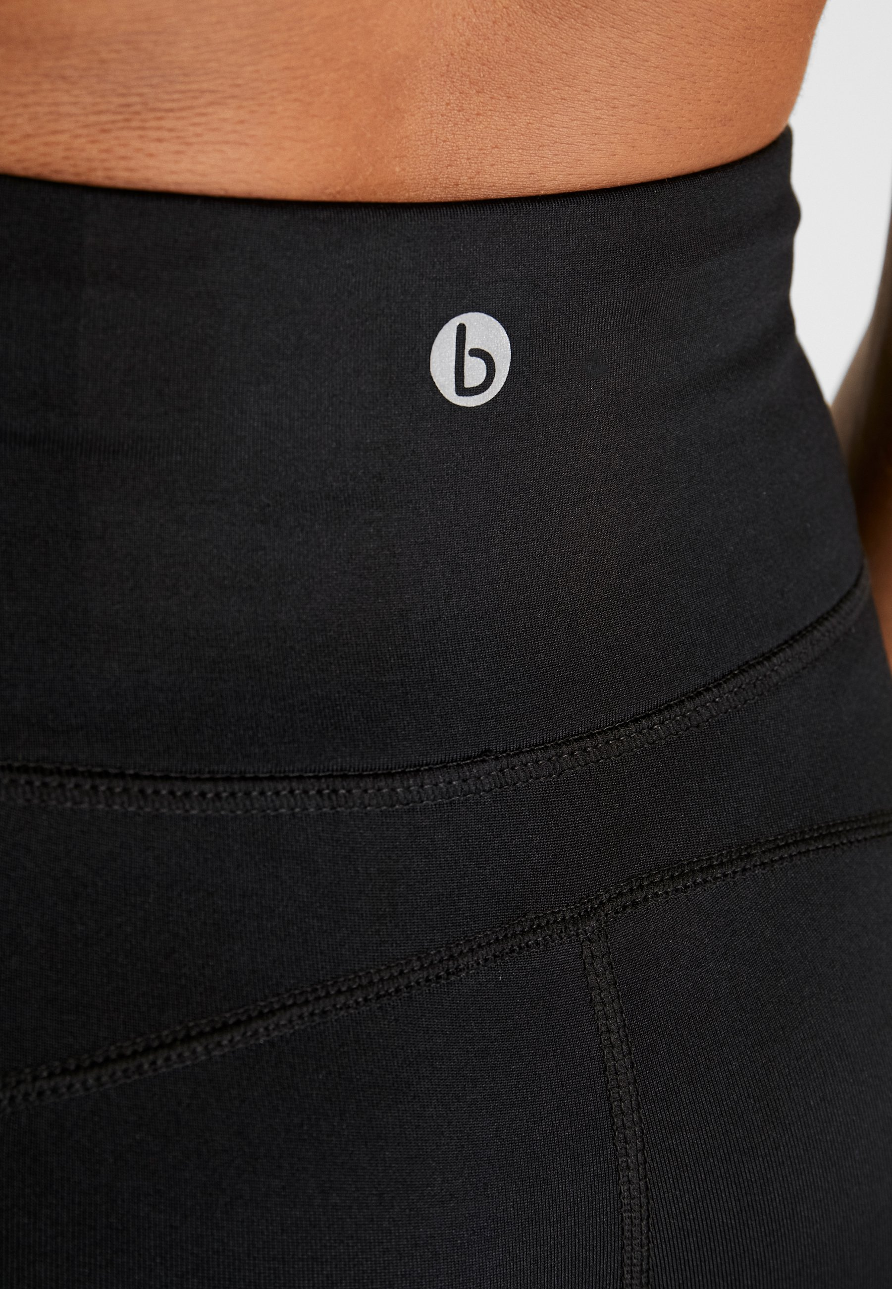 On LinedCollant Black Cotton Body texture kOZPuTiX