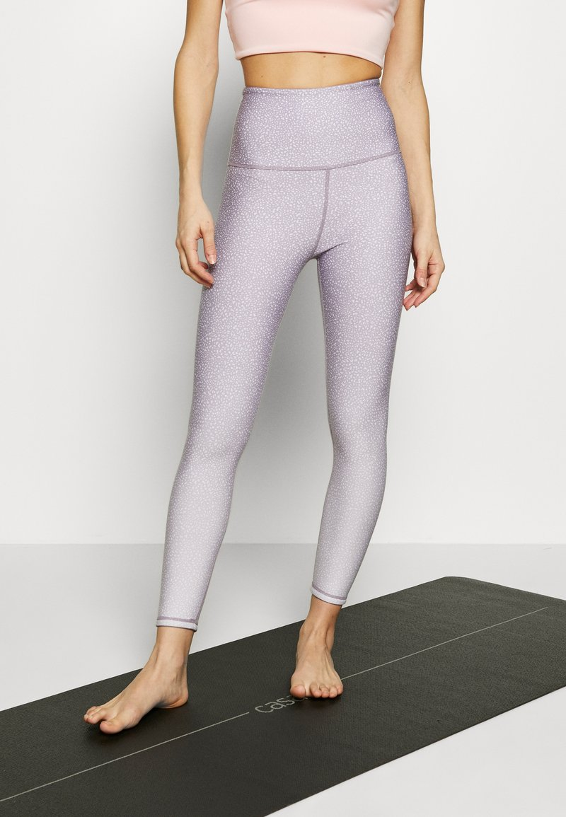Cotton On Body - REVERSIBLE 7/8 - Tights - watercress ombre
