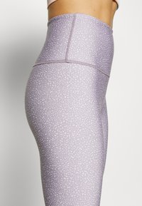 Cotton On Body - REVERSIBLE 7/8 - Tights - watercress ombre - 4