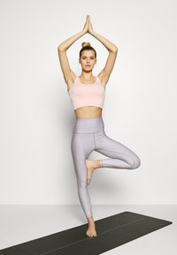 Cotton On Body - REVERSIBLE 7/8 - Tights - watercress ombre - 1