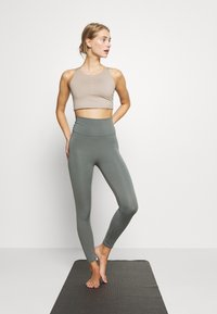 Cotton On Body - LIFESTYLE 7/8 - Legging - oil green laser - 1