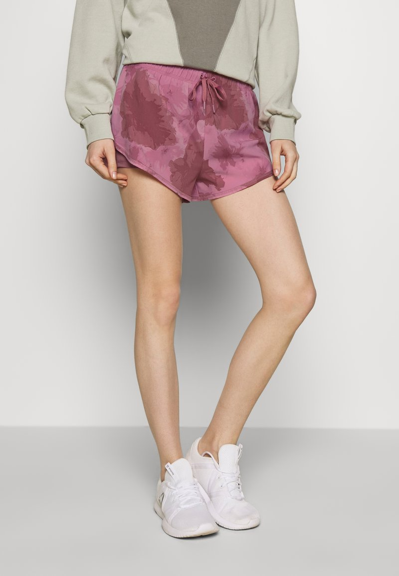 Cotton On Body - MOVE JOGGER - Sports shorts - washed rose