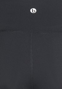 Cotton On Body - POCKET BIKE SHORT - Leggings - black - 2