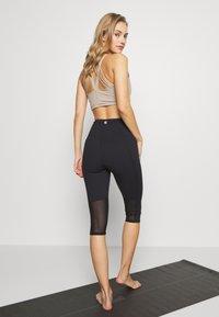 Cotton On Body - WORKOUT CAPRI - 3/4 sports trousers - black - 2