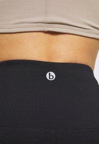 Cotton On Body - WORKOUT CAPRI - 3/4 sports trousers - black - 3