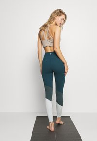 Cotton On Body - SO SOFT - Legging - june bug - 2