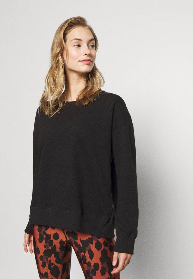 LONG SLEEVE CREW - Sweater - winter black