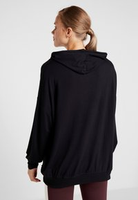 Cotton On Body - LONG LINE SPRING HOODIE - Jersey con capucha - black - 2