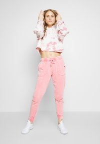 Cotton On Body - CROPPED HOODIE - Mikina skapucí - rose sangria - 1