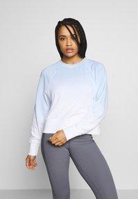 Cotton On Body - RAGLAN LONG SLEEVE CREW - Sweatshirt - dip dye skye blue - 0