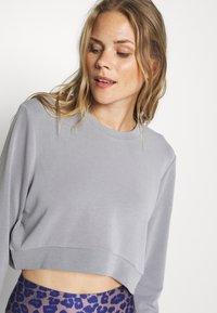 Cotton On Body - MATERNITY CROSS OVER CREW - Sweatshirt - grey marle - 3