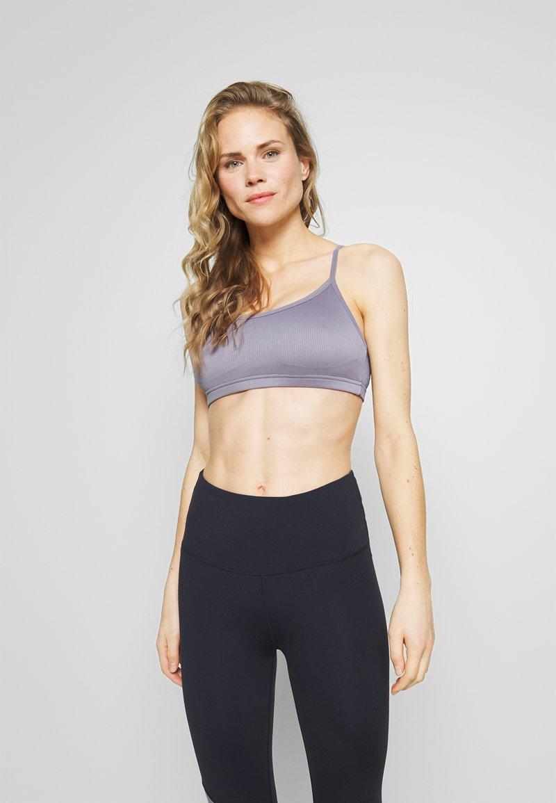 Cotton On Body - WORKOUT YOGA CROP - Sport BH - ash amethyst