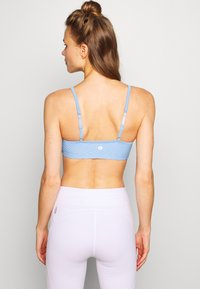 Cotton On Body - WORKOUT YOGA CROP - Sport BH - skye blue