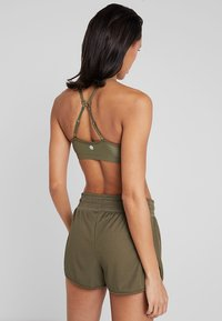 Cotton On Body - WORKOUT YOGA CROP - Sport BH - thyme shimmer - 3
