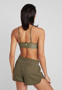 Cotton On Body - WORKOUT YOGA CROP - Sport BH - thyme shimmer - 2