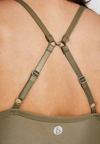 Cotton On Body - WORKOUT YOGA CROP - Sport BH - thyme shimmer - 5