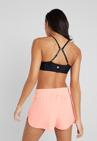 Cotton On Body - WORKOUT YOGA CROP - Sport BH - shimmer black - 2