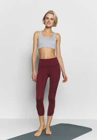 Cotton On Body - STRAPPY CROP - Sujetador deportivo - grey marle - 1