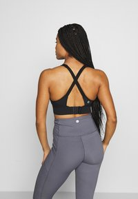 Cotton On Body - WORKOUT TRAINING CROP - Urheiluliivit - black - 2