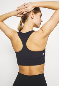 Cotton On Body - CUT OUT CROP - Sport BH - black - 4