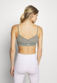 Cotton On Body - BINDED CROP - Sport BH - steely shadow - 2