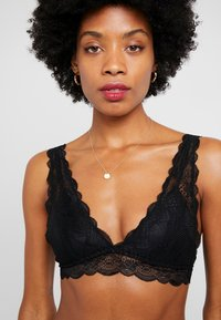 Cotton On Body - CINDY LONGLINE WIREFREE - Trojúhelníková podprsenka - black - 3