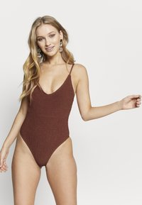 Cotton On Body - SHIRRED DEEP V ONE PIECE CHEEKY - Maillot de bain - rust - 1