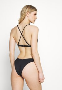 Cotton On Body - RECYCLED HIGH APEX TRIANGLE SET - Bikini - black - 3