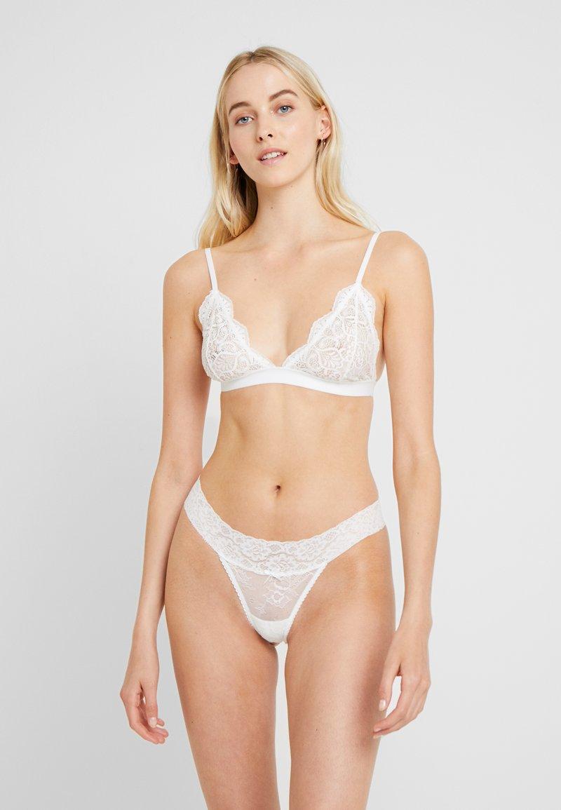Cotton On Body - SOPHIA 3 PACK - Perizoma - black/cream/tomato