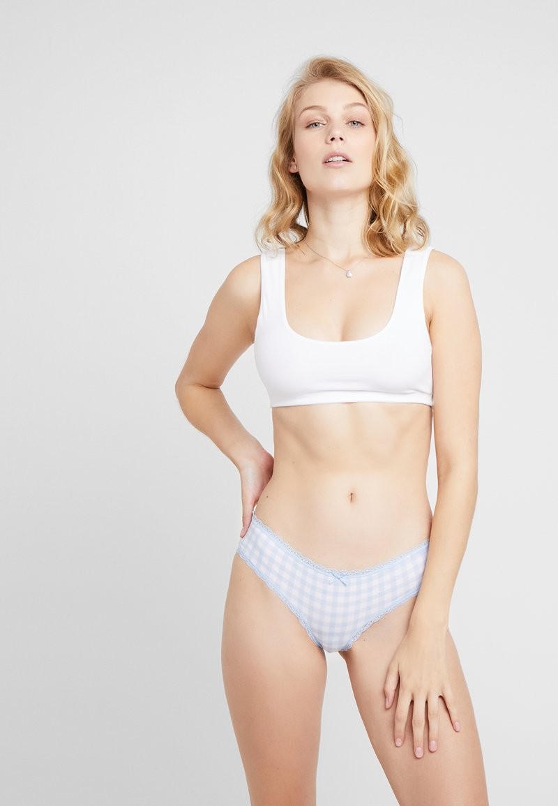 Cotton On Body - CHARLOTTE BRASILIANO 3 PACK - Onderbroeken - white/chambray blue/cherry nice