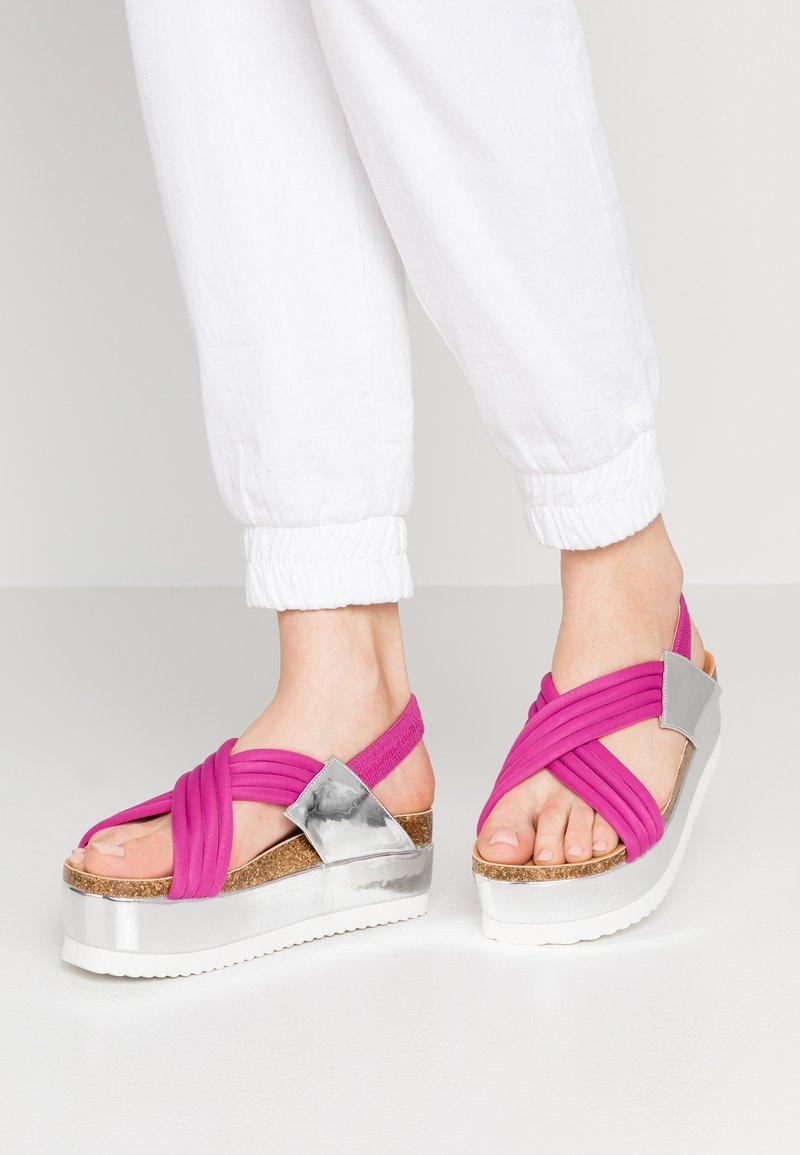 co wren - Korkeakorkoiset sandaalit - fuschia
