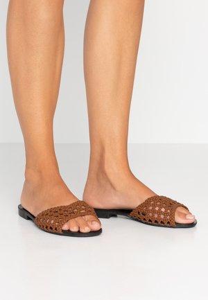 Pantofle - choco