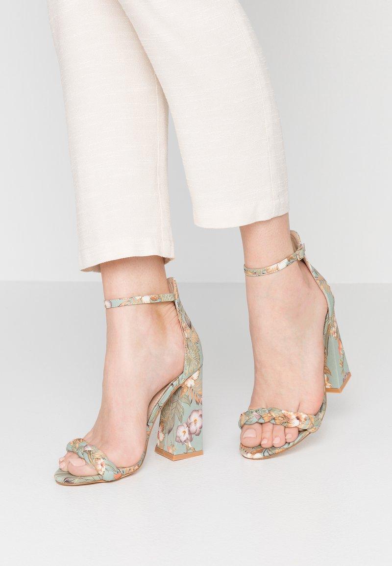 co wren - Højhælede sandaletter / Højhælede sandaler - green
