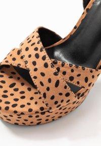 co wren - High heeled sandals - tan - 2
